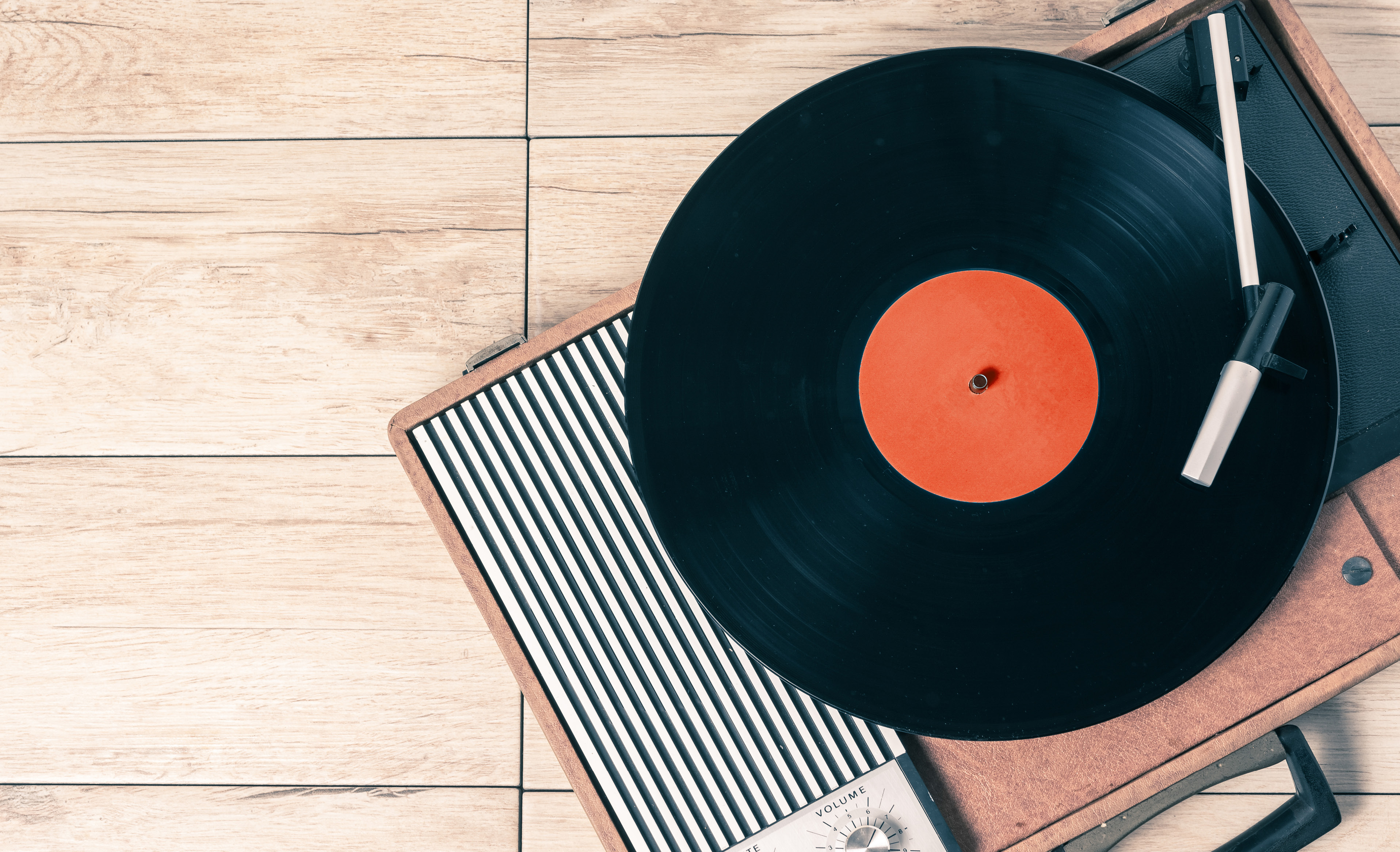 Vinyl revival: get in on the turntable trend