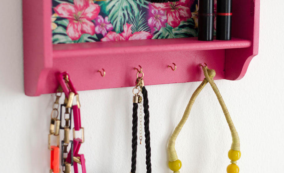 DIY your own jewellery organiser
